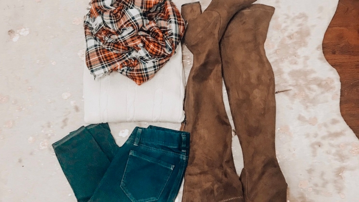 What to Wear to Sit in the Living Room: ThanksgivingOutfits